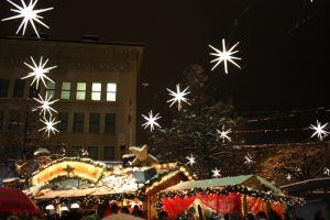 Pünktlich am 29.11.2012 um 19:00 erleuchten in St. Gallen 700 Weihnachtssterne